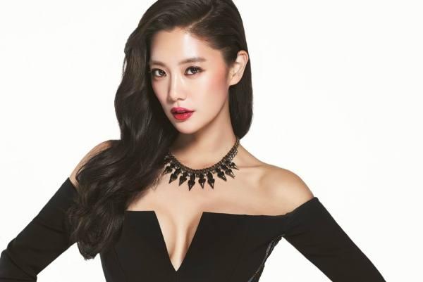 Clara Lee Seong Min