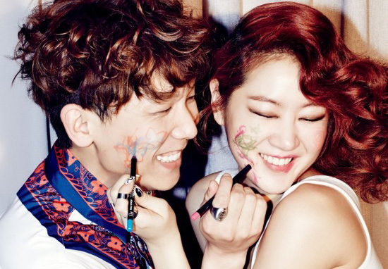 happy-laughing-couple