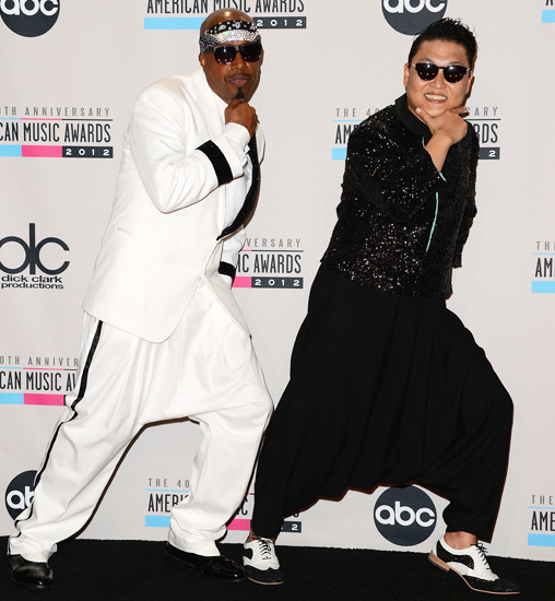 mc-hammer-psy-american-music-awards