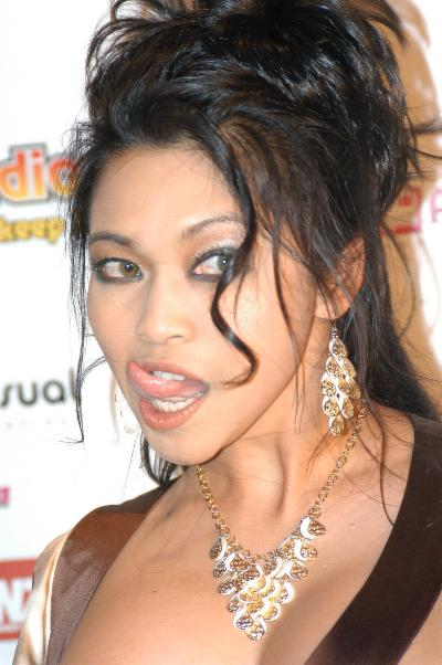 Mika_Tan_at_KSEXradio_Listener_Choice_Awards_2006_(6)