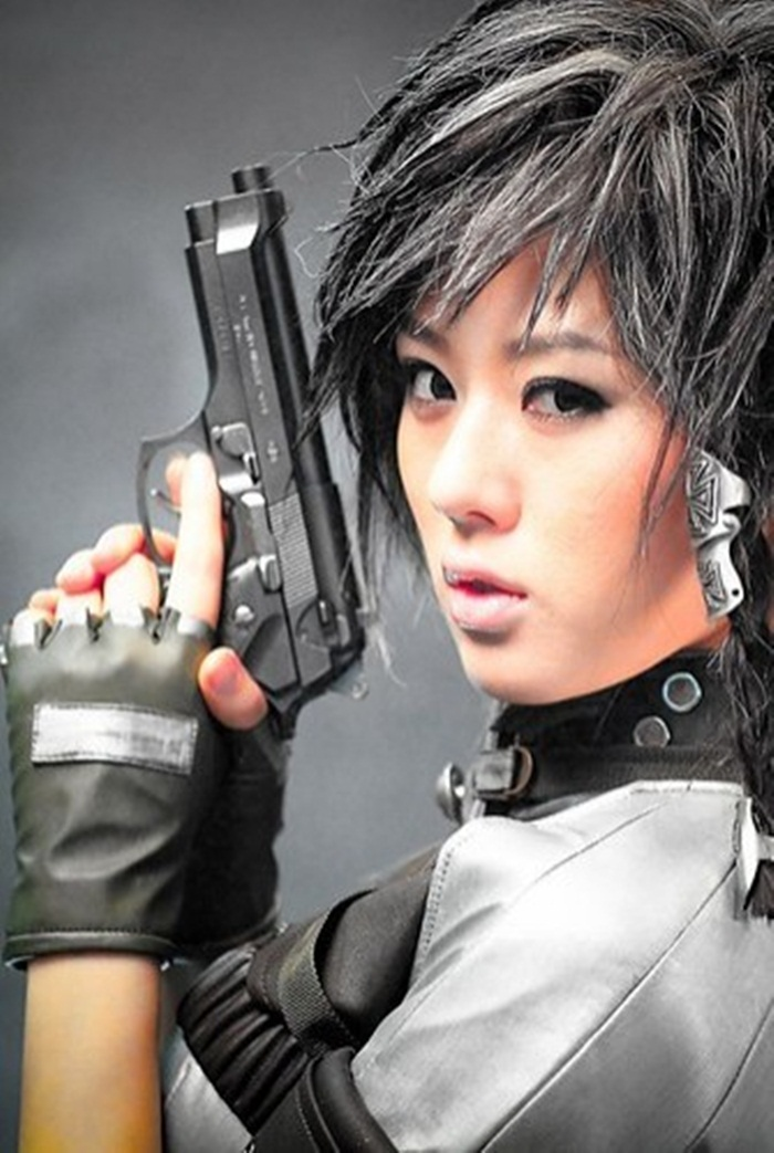 asian_cute_girl_fashion_girl_gun_weapon-3575d15b66faf630c4889d9d0c896880_h