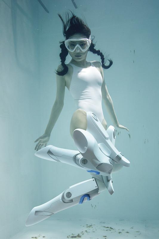 suichu-niso-underwater-knee-high-socks-divers-photography-manabu-koga-10