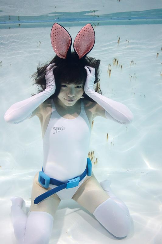 suichu-niso-underwater-knee-high-socks-divers-photography-manabu-koga-14