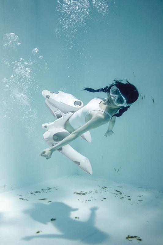 suichu-niso-underwater-knee-high-socks-divers-photography-manabu-koga-8
