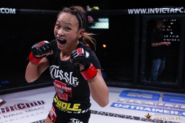 052_michelle_waterson_vs_lacie_schuckman