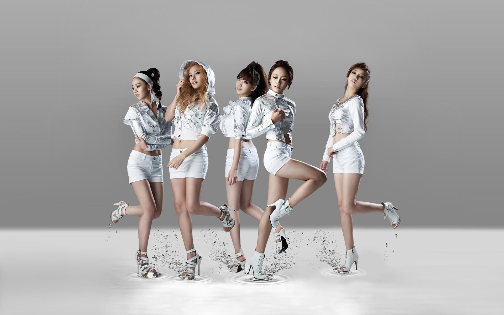 women_high_heels_asians_korean_singers_kpop_kara_band_1920x1200_wallpaper_Wallpaper HD_1920x1200_www.paperhi.com