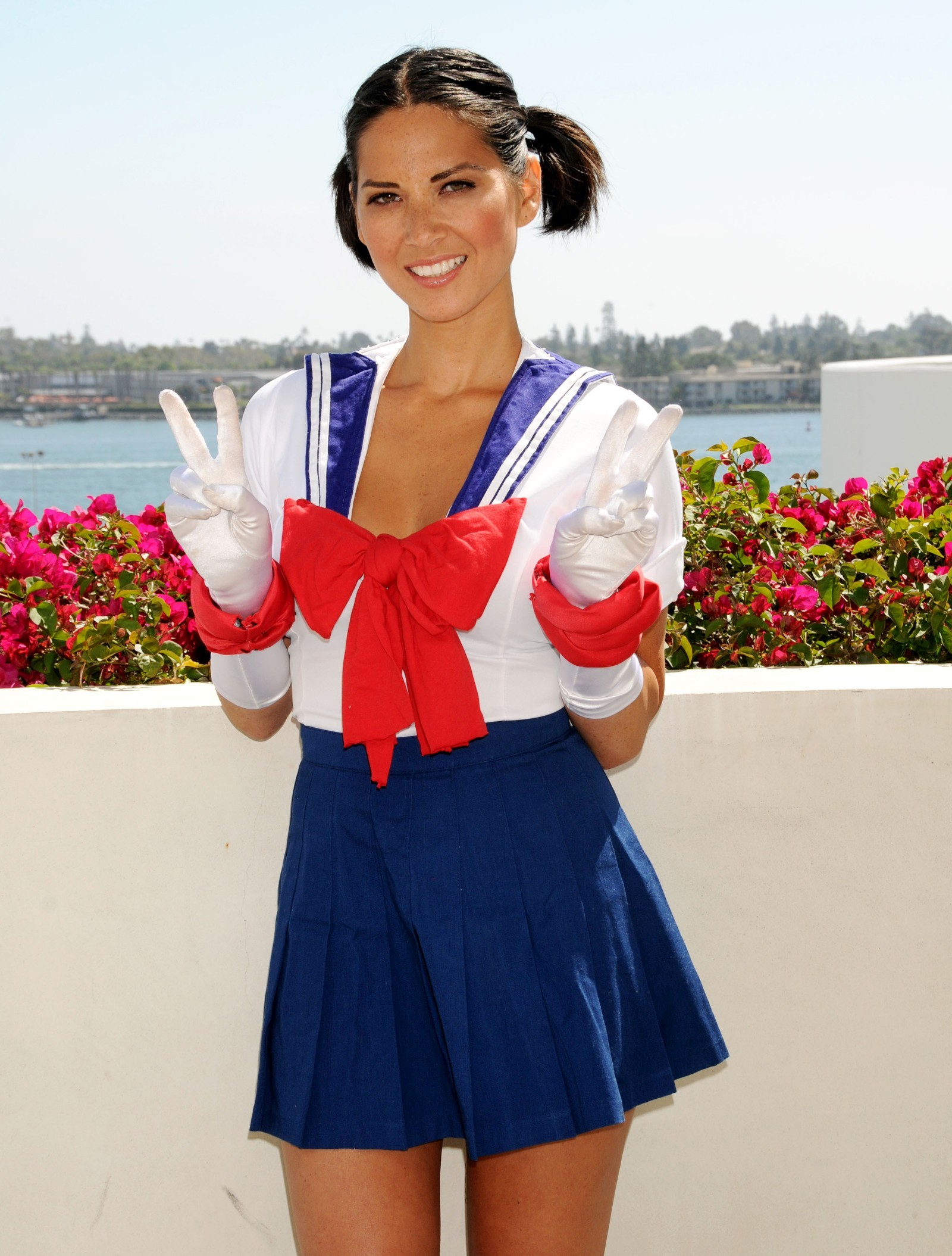 olivia_munn_cosplay_as_sailor_moon