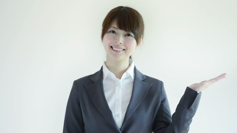664991557-hokkaido-japanese-toothy-smile-businesswoman