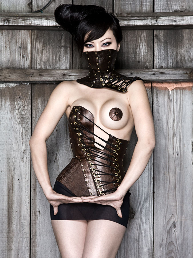 steampunk_asian_exposed_boob