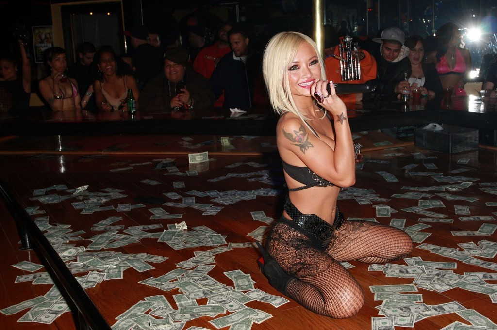 tila-tequila-stripper-money-thesuitewolrd-1024x681